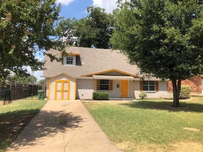 Arlington Single Family Home For Sale: 1109 Paula Drive