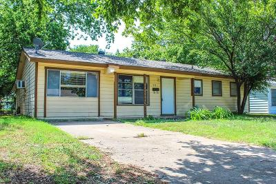 Euless Single Family Home For Sale: 1016 Denton Drive