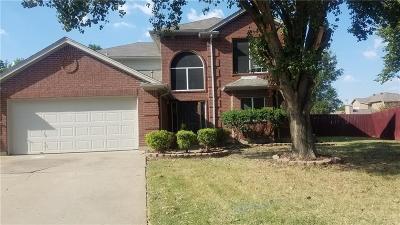 Mansfield Single Family Home For Sale: 1707 Farmington Drive