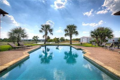 Tarrant County Single Family Home For Sale: 2202 White Lane