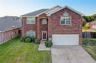 Euless Single Family Home For Sale: 1100 Sunny Creek Lane