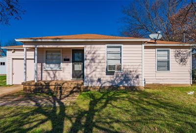 Single Family Home For Sale: 111 W Vinyard Road