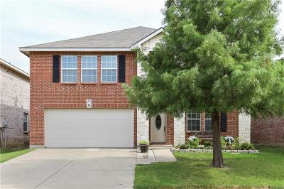 Fort Worth Single Family Home For Sale: 1613 Diamond Lake Trail
