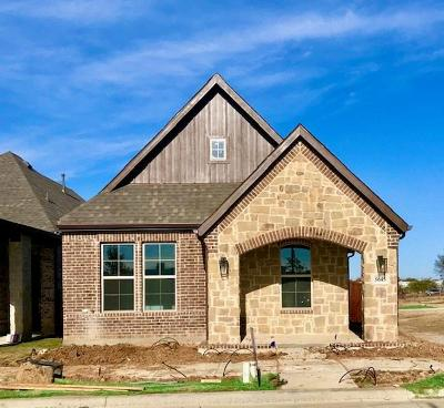 North Richland Hills Single Family Home For Sale: 5645 Traveller