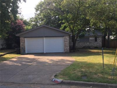 Euless Single Family Home For Sale: 503 Bayless Drive