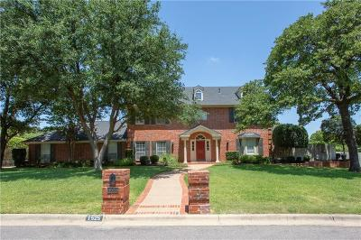 Keller Single Family Home For Sale: 1525 Brentwood Trail