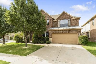 Fort Worth Single Family Home For Sale: 10280 Paintbrush Drive