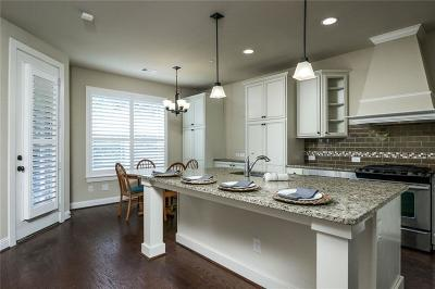 Euless Townhouse For Sale: 1623 Brook Grove Drive