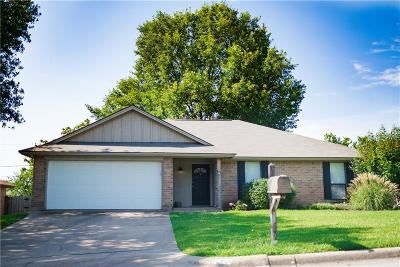 Benbrook Single Family Home Active Option Contract: 1420 Tobie Layne Street