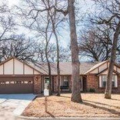 Grapevine Residential Lease For Lease: 2947 Southridge Drive