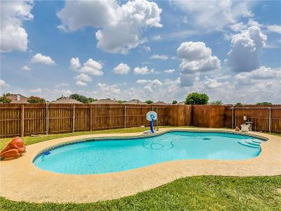 Burleson Single Family Home For Sale: 700 Creekview Drive