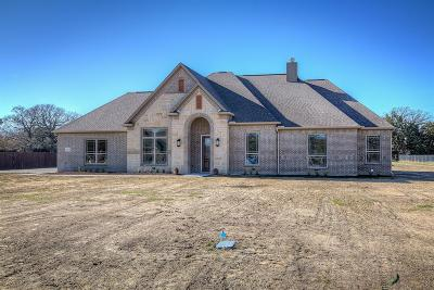 Kaufman Single Family Home For Sale: 1033 Scattered Oaks Trail