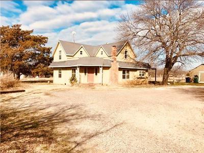 Gunter Single Family Home For Sale: 810 N 6th Street