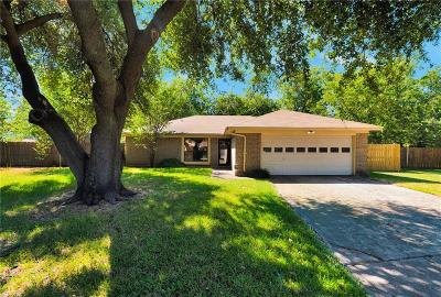 Benbrook Single Family Home For Sale: 1104 Elderberry Court