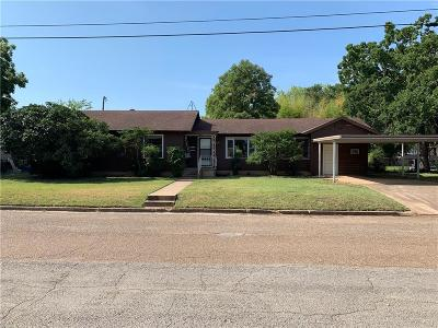 Gatesville Single Family Home For Sale: 2504 Oak Drive