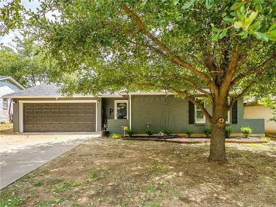 Burleson Single Family Home For Sale: 636 NW Renfro