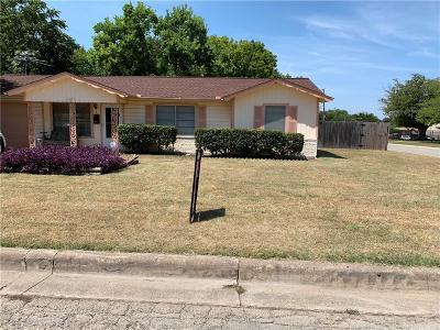Haltom City Single Family Home For Sale: 5121 Caroldean Street