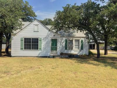 Young County Single Family Home For Sale: 499 Hwy 380 E