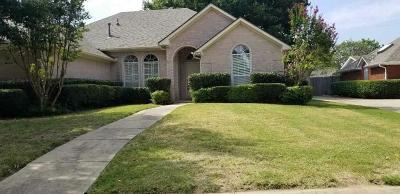 North Richland Hills Residential Lease For Lease: 7848 Hidden Oaks Drive