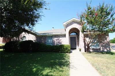Weatherford Single Family Home For Sale: 241 Cardinal Court