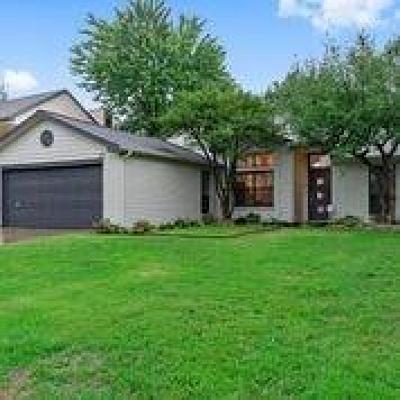 Grapevine Residential Lease For Lease: 1211 Berkley Drive