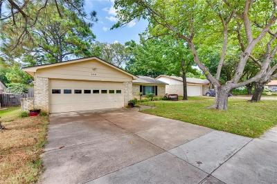 Euless Single Family Home For Sale: 608 Aspenway Circle