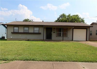 Euless Single Family Home For Sale: 514 Himes Drive
