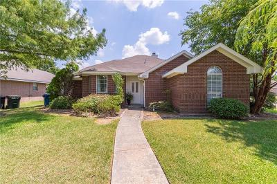 Seagoville Single Family Home For Sale: 1208 Crosscreek Lane