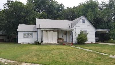 Cooke County Single Family Home For Sale: 900 N Ritchey