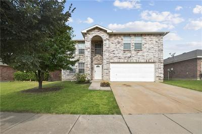 Fort Worth Single Family Home For Sale: 16705 Windthorst Way