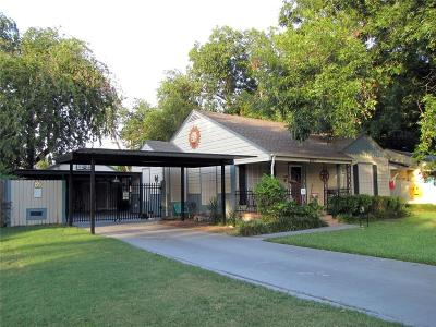 Richland Hills Single Family Home For Sale: 6517 Reeves Street