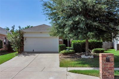 Tarrant County Single Family Home For Sale: 721 Mexicali Way
