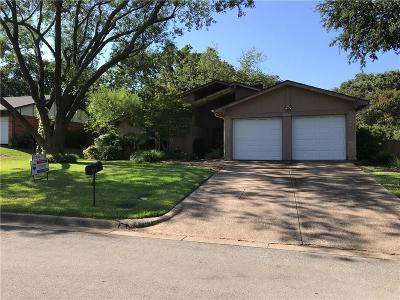 Arlington Single Family Home For Sale: 4704 Burning Springs Drive