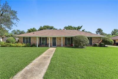 Highland Village Single Family Home For Sale: 125 Village Estates Drive