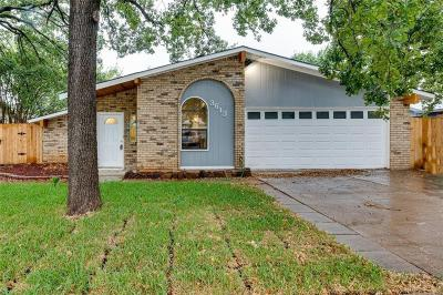Bedford Single Family Home For Sale: 3613 Aspenwood Drive