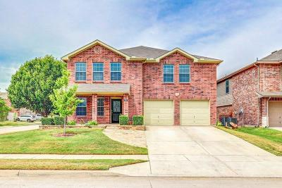 Fort Worth Single Family Home For Sale: 5701 Mountain Stream Trail