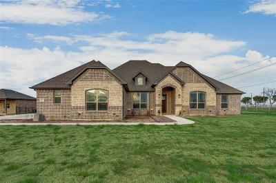 Waxahachie Single Family Home For Sale: 110 Evening Fire Drive