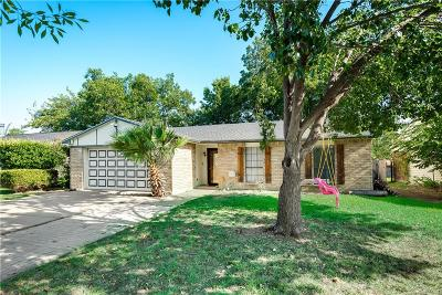 North Richland Hills Single Family Home For Sale: 6921 Glendale Drive