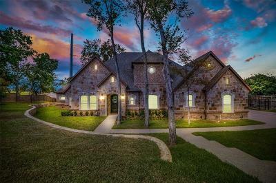 Euless Single Family Home For Sale: 1902 Pintail Parkway