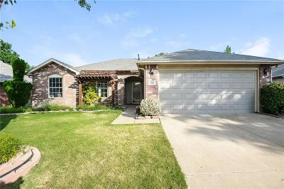 Saginaw Single Family Home For Sale: 927 Silver Streak Drive