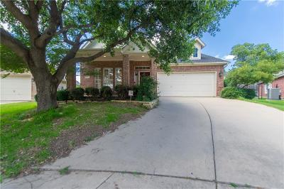 Fort Worth Single Family Home For Sale: 4251 Lake Villas Drive