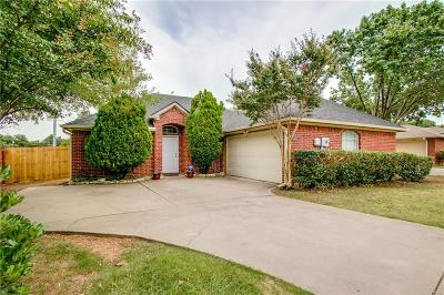 Lewisville Single Family Home For Sale: 1968 Hobart Lane