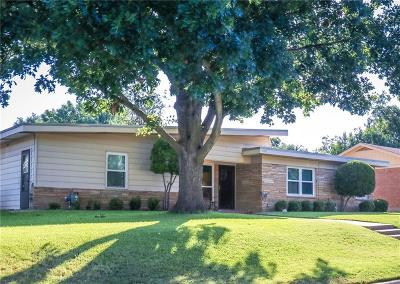 Fort Worth Single Family Home For Sale: 5001 Stadium Drive