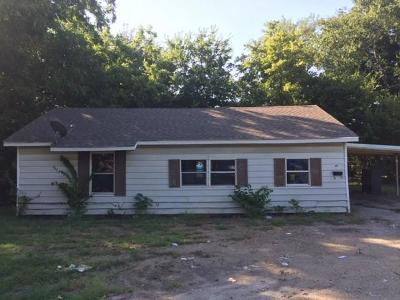 Waxahachie Single Family Home For Sale: 915 S Rogers Street