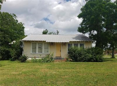 Navarro County Single Family Home For Sale: 300 W Hwy 31