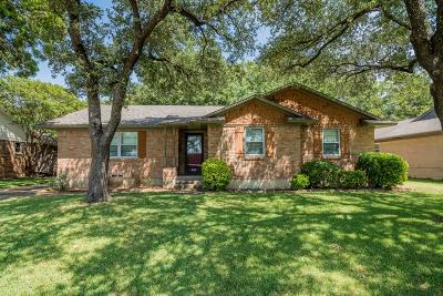 Dallas Single Family Home For Sale: 9930 Kirkhaven Drive