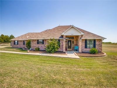 Denton County Single Family Home For Sale: 405 Leaning Tree Street
