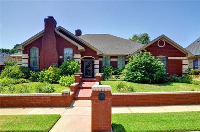 Bedford Single Family Home For Sale: 1604 Woodhill Lane