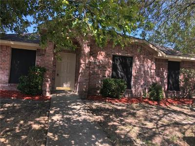 Lancaster Single Family Home For Sale: 729 Bahama Drive