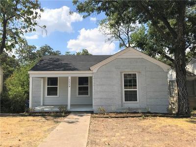 Single Family Home For Sale: 1419 S Marsalis Avenue